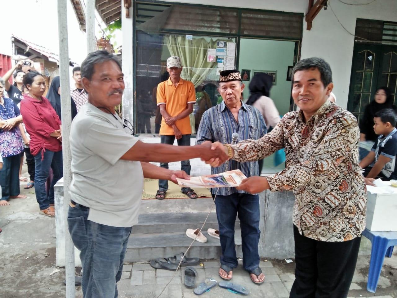 Kelurahan Pakuncen Menyerahkan Akta Kematian Suharyono